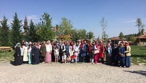 Pursaklarlı Hanımlar 'Altın Köy'ü Gezdi