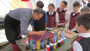 Kuşadalı Sanatçılar Kardeş Şehir Sınaıa'da Kuşadası'nı Temsil Etti