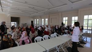 Gürpınar Belediyesi, Kadınlara Yönelik Meme Kanseri Bilinçlendirme Semineri Düzenledi