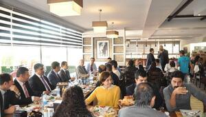 Tunceli'ye Atanan Öğretmenlere Kahvaltı