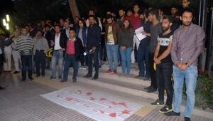 Barış Mitingi'ne Katılan Grubu, Gözyaşlarıyla Karşıladılar