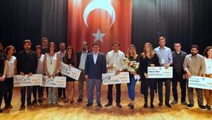 Kepez'de Simge Eserin Ödülleri Verildi