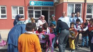 Eğitim-bir-sen'den Suriyeli Öğrencilere Eğitim Yardımı