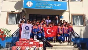 Büyükşehir Belediyesinden Yazır Fevziye Polat İlkokuluna Malzeme Yardımı
