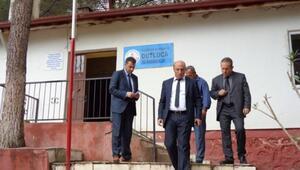 Burhaniye'de Milli Eğitim Müdürü Bahadır'ın İlk Köy Okulu Ziyareti