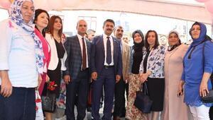 AK Partili Bayanlardan Kansere Karşı Bilgilendirme Etkinliği