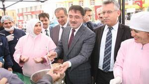Yozgat Belediyesi Halka Aşure Dağıttı