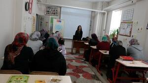 Kadın Danışma Merkezi'nde Eğitimler Devam Ediyor