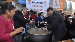 CHP'li Başkandan AK Partililere Aşure İkramı