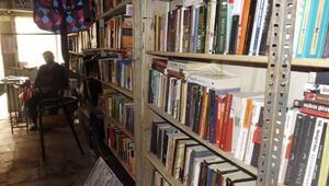 Tozlu Raflarda Bekleyen Kitaplar Okurlarıyla Buluşuyor
