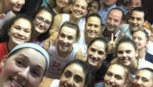 Gürkan, Edirne Belediyesi Edirnespor Kadın Basketbol Takımını Tebrik Etti