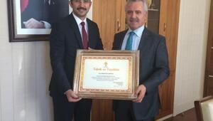AK Parti Genel Başkan Yardımcısı Ataş'dan Nevşehir'e Tebrik Ve Teşekkür Belgesi