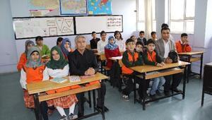Suriyeli Çocuklar Okullu Oldu