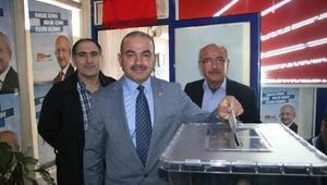 CHP Kilis Merkez İlçe Başkanlığı'na Yeniden Talat Kurt Seçildi
