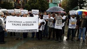 Antalya'da Can Dündar Ve Erdem Gül'ün Tutuklanmasına Protesto