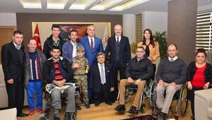 Başkan Kafaoğlu'na Engellilerden Ziyaret