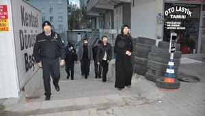Dilencilik Yapan 34 Suriyeli Osmaniye'ye Gönderildi