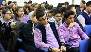 Aliağa'da Öğrenciler Meslekler Hakkında Bilgi Aldı