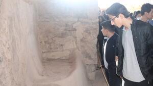 Öğrenciler, Aslantepe'yi Gezdiler