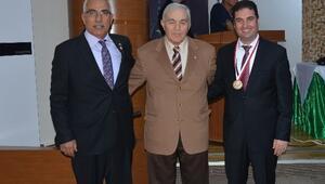 Dünya Olimpiyat Şampiyonu Güreşçi Ahmet Ayık'tan Adana Güreşine Övgü
