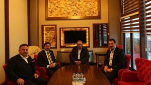 Genel Başkan Yardımcısı Üstün, İşadamı Orhan Kocabıyık'la Sakaryaspor'u Konuştu