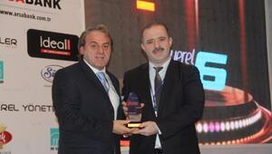 Başkan Özgökçe'ye 'Yılın Yerel Yöneticisi' Ödülü