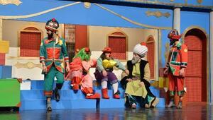 Yarıyıl Tatilinde Çocukların Tiyatro Keyfi