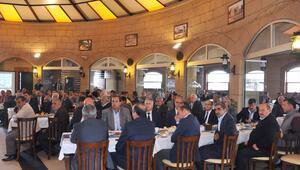 Tarsus Belediye Başkanı Can, muhtarla bir araya geldi