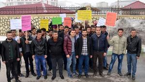 Bitliste, gazeteci Gül ve Dündarın tahliye edilmesine tepki