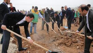 Karaköprü'ye bin 200 nar fidanı dikildi