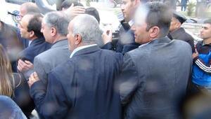 Demirtaştan Davutoğluna: Bosna Kasabı ceza aldıysa, seninde hesap vermen için elimizden geleni yapacağız