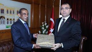 Hindistan Büyükelçisi İzmirde
