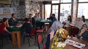 Rize'de kahvehanelerde okuma etkinliği başlatıldı