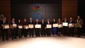 Rize'de en temiz 54 okula beyaz bayrak sertifikası verildi