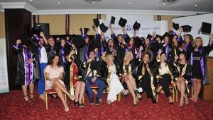 Essi Eğitim Kurumlarında mezuniyet sevinci