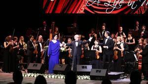 Efsane tenor Carrerastan muhteşem konser