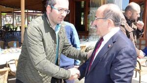 Başkan Gümrükçüoğlu turist grubuyla kahvaltı yaptı