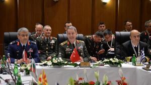 Genelkurmay Başkanı Akar: 1300 DEAŞ mensubu terörist etkisiz hale getirildi