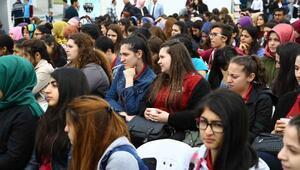 Üniversite adayları, Üniversite Tanıtım Fuarında buluştu