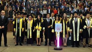 İİBFcilerin mezuniyet coşkusu