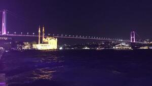 Boğaziçi Köprüsü pembe renkle ışıklandırıldı
