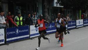 2inci Hitit Koşusunda ilk 4 yabancı atletlerin