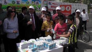 Muşta 2 bin 200 paket süt dağıtıldı