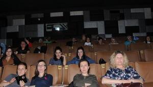 Kadınlar, Kanal D dizisini sinema salonunda izledi