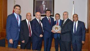 AKİB heyeti Bakan Zeybekçiye sorunları anlattı