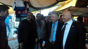 CHPli Arık, pazar esnafını ziyaret etti