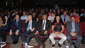 Ünlü pop sanatçısı Kekilli Kayseri'de konser verdi