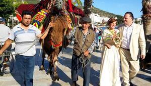 İngiliz damat, ünlü yapımcıya deve ile çeyiz getirdi