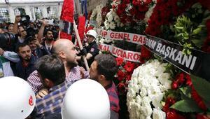 Şehit polislerin cenaze töreninde gerginlik