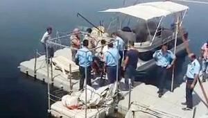 Birecik Köprüsünden atlayan genç kızı dalgıçlar kurtardı